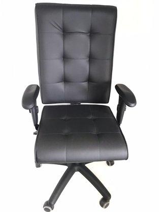 Cadeira Pres. Atria Preto Base Preta Gir.e Braço T